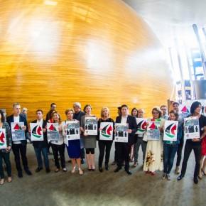 Des membres du Parlement européen manifestent leur soutien au bateau des femmes pour Gaza