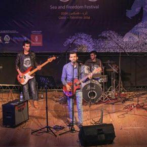 Un groupe de rock palestinien rêve d'un avenir plus lumineux