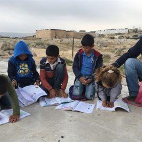 Les forces israéliennes démolissent une école primaire palestinienne au Sud d'Hébron