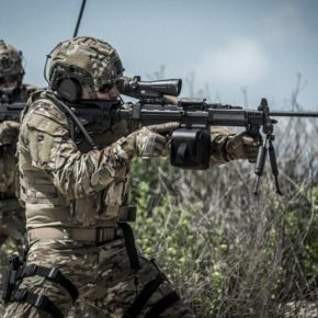 La France fait la promotion des fusils qui ont servi aux massacres de Gaza