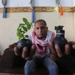 Des Palestiniens utilisent des armes d'Israël pour semer la paix