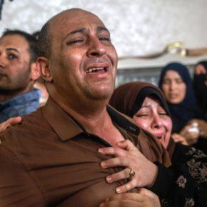 'Comme des jumeaux': Gaza pleure les adolescents tués dans un raid aérien israélien