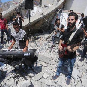 'L'art est une forme de résistance': Des frappes aériennes israéliennes détruisent le centre culturel de Gaza