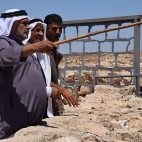 Photos : Des Palestiniens de Susya reviennent dans leur village dont ils ont été expulsés